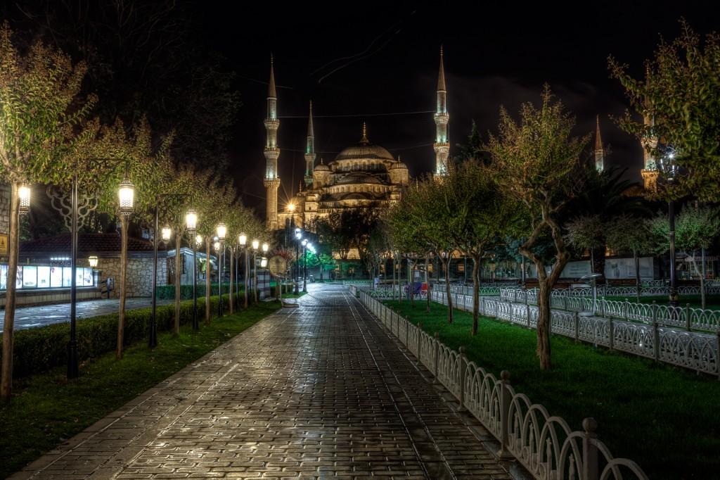 Площадь Султанахмет - Голубая мечеть