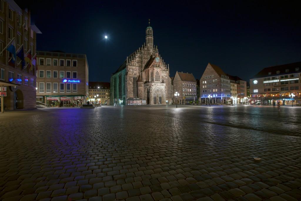 Ночной Нюрнберг. Церковь Святой Девы Марии