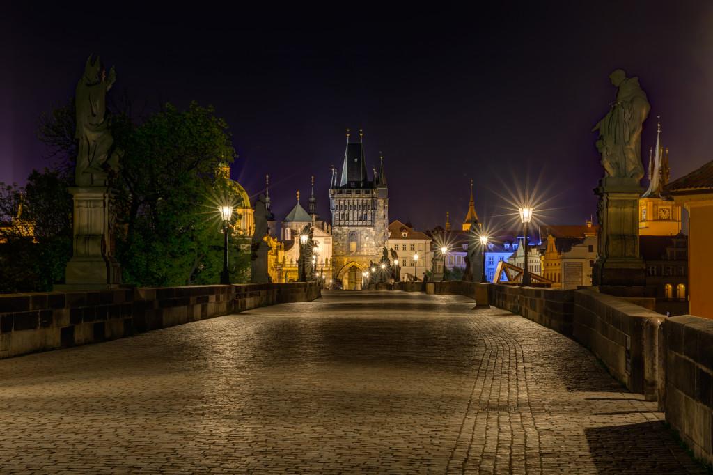 Прага. Карлов мост ночью